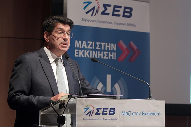"""Ο πρόεδρος του ΣΕΒ Θεόδωρος Φέσσας μιλάει σε εκδήλωση που διοργάνωσε ο ΣΕΒ, με την ευκαιρία της ολοκλήρωσης του Α' Κύκλου του Προγράμματος για την ενίσχυση της Επιχειρηματικότητας των Νέων Επιστημόνων """"Μαζί στην Εκκίνηση!"""", στο Κέντρο Πολιτισμού """"Ελληνικός Κόσμος"""", Αθήνα, Δευτέρα 30 Ιουνίου 2014.  ΑΠΕ-ΜΠΕ/ΑΠΕ-ΜΠΕ/ΣΥΜΕΛΑ ΠΑΝΤΖΑΡΤΖΗ"""