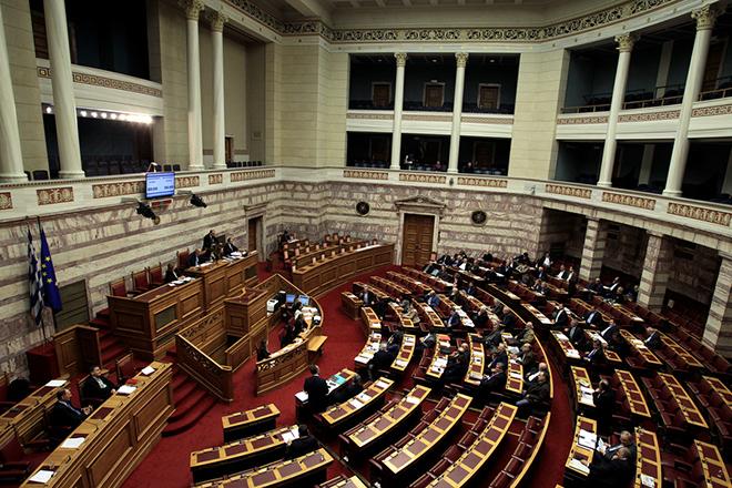 Ψηφίστηκε το πολυνομοσχέδιο με το δεύτερο «πακέτο» προαπαιτούμενων