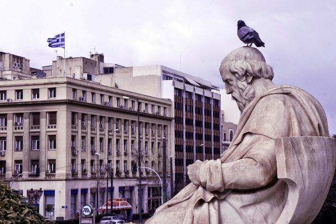 Ελλάδα: O ασθενής δεν πεθαίνει, αλλά εξακολουθεί να ψυχορραγεί