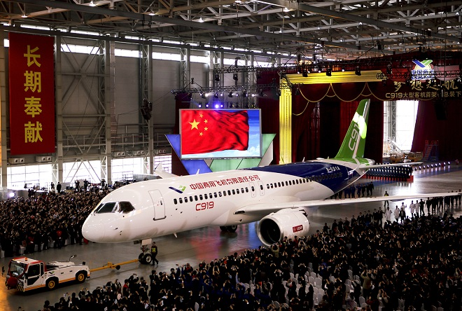 Έτοιμο το πρώτο κινέζικο επιβατικό αεροπλάνο