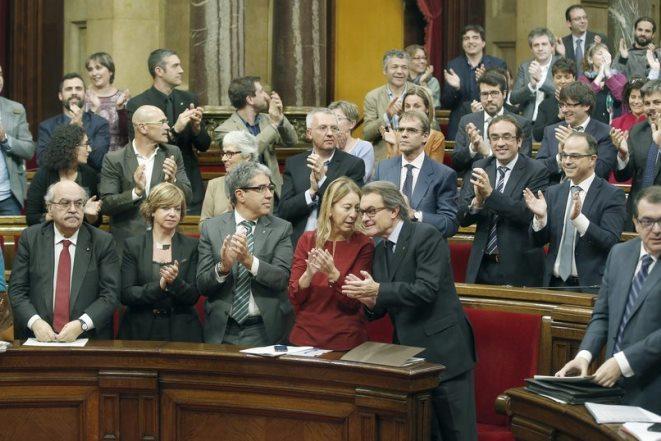 Ψήφισμα χωρίς προηγούμενο: Προς ανεξαρτητοποίηση η Καταλονία