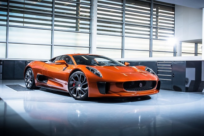 Ξεχάστε την Aston Martin του Τζέιμς Μποντ. Ο «κακός» της ταινίας έχει καλύτερο αυτοκίνητο