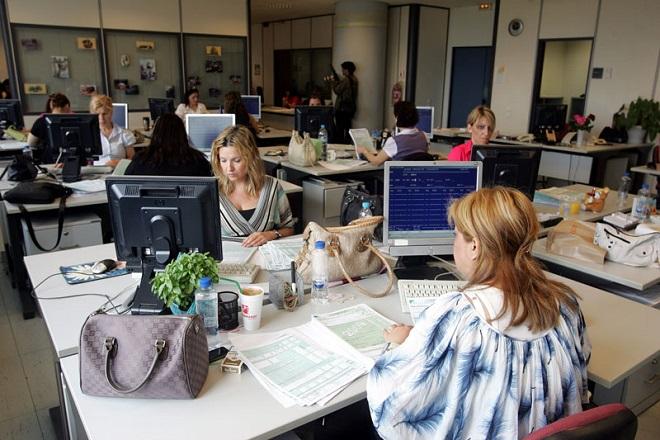 Η «ακτινογραφία» του Δημοσίου: Πόσοι είναι οι υπάλληλοι, πώς κατανέμονται ανά υπουργείο