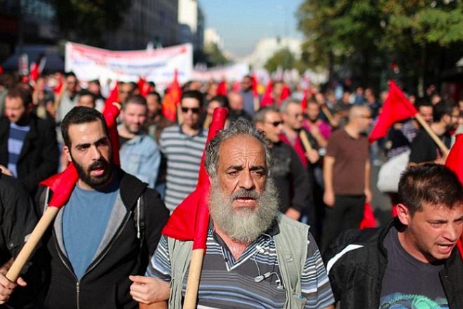 Συλλαλητήριο του ΠΑΜΕ στο κέντρο για το πολυνομοσχέδιο