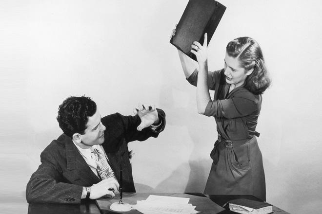 Ο τύπος ανδρών που «εκνευρίζουν» τις γυναίκες στο γραφείο