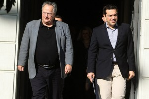 Ο υπουργός Εξωτερικών  Νίκος  Κοτζιάς (Α) συνοδεύει τον  πρωθυπουργό Αλέξη Τσίπρα (Δ) μετά το τέλος της συνάντησής τους, την Παρασκευή 13 Νοεμβρίου 2015, στο ΥΠΕΞ.  Με αφορμή την προετοιμασία του επικείμενου ταξιδιού στην Τουρκία, ο πρωθυπουργός, Αλέξης Τσίπρας, επισκέφθηκε το υπουργείο Εξωτερικών, προκειμένου να συναντηθεί και να συζητήσει τα τρέχοντα θέματα εξωτερικής πολιτικής με τον αρμόδιο υπουργό, Νίκο Κοτζιά. ΑΠΕ-ΜΠΕ/ΑΠΕ-ΜΠΕ/ΣΥΜΕΛΑ ΠΑΝΤΖΑΡΤΖΗ
