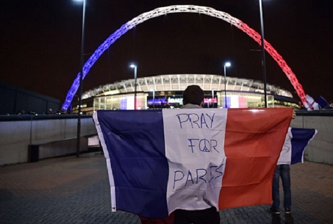 Η στιγμή που Άγγλοι και Γάλλοι τραγουδούν τη Μασσαλιώτιδα στο Γουέμπλεϊ