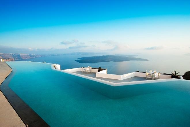 Grace Santorini: Το ελληνικό ξενοδοχείο που συγκαταλέγεται ανάμεσα στα καλύτερα της Ευρώπης