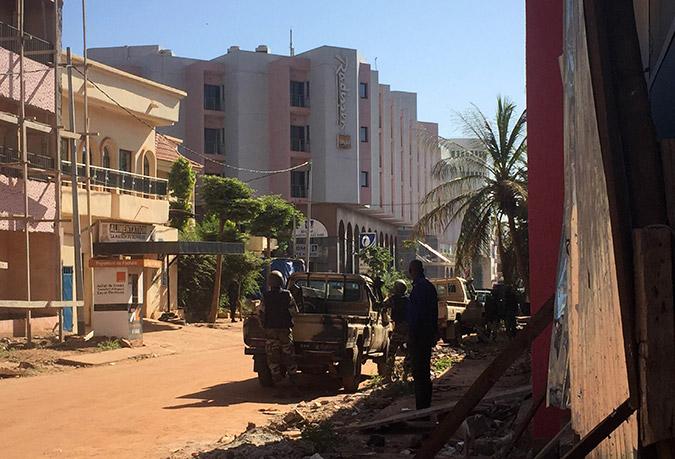 Σε εξέλιξη επιχείρηση των ειδικών δυνάμεων στο Μάλι