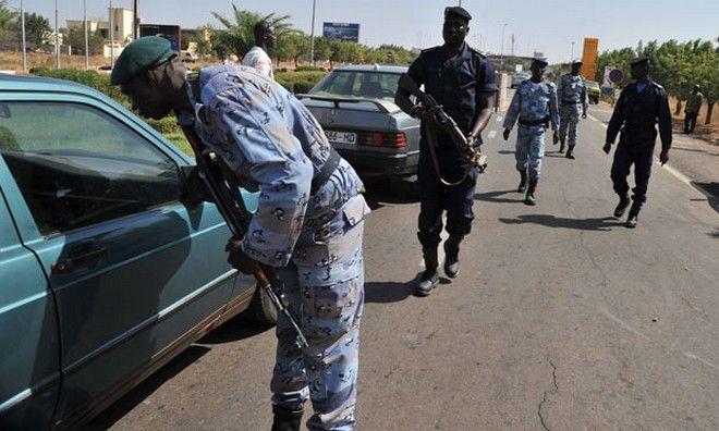 Reuters: Ένοπλοι εισέβαλαν σε ξενοδοχείο στο Μάλι