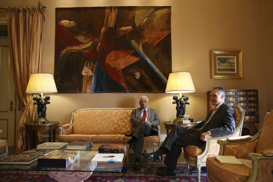 Άνοιξε ο δρόμος για αριστερή κυβέρνηση στην Πορτογαλία