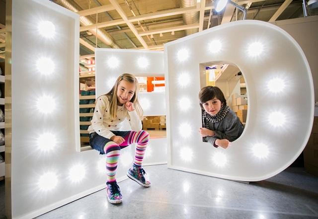 IΚΕΑ: Δωρίζει ένα ευρώ για τους πρόσφυγες για κάθε προϊόν LED που πωλείται