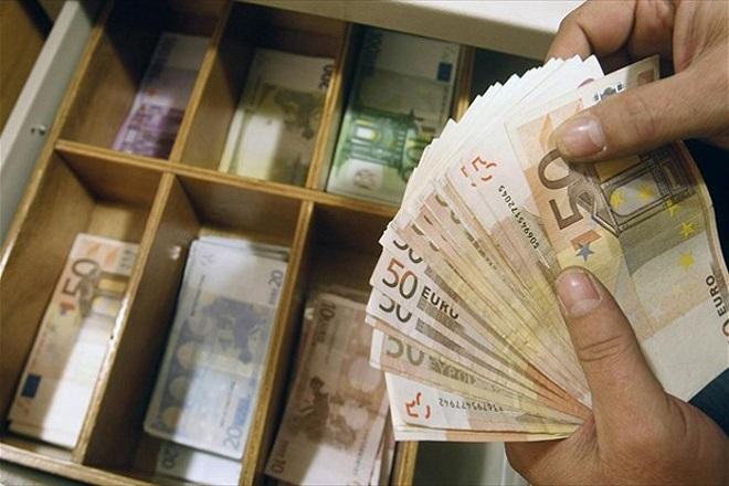 Σχεδόν 3 δισ. ευρώ πλήρωσε ο ασφαλιστικός κλάδος για το 2014