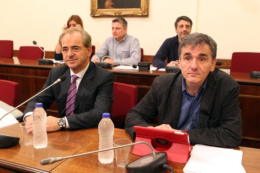 Τσακαλώτος: Ηθική υποχρέωση των τραπεζών η συμμετοχή Ελλήνων επενδυτών