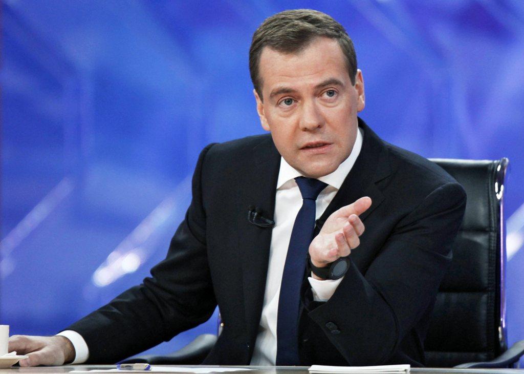 Καθιέρωση της τετραήμερης εβδομάδας εργασίας προβλέπει για το μέλλον ο Ντμίτρι Μεντβέντεφ