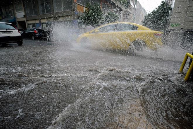 Εκτακτο δελτίο επιδείνωσης καιρού: Έρχονται καταιγίδες και χαλαζοπτώσεις