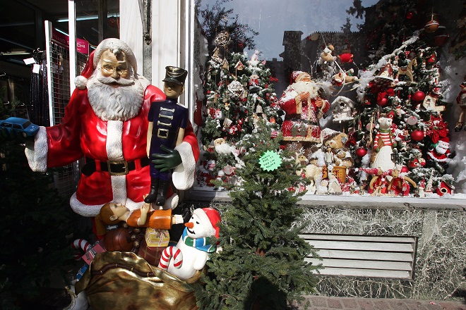 Επί ποδός η Τροχαία για την έξοδο των εκδρομέων- Τι καιρό θα έχει τα Χριστούγεννα