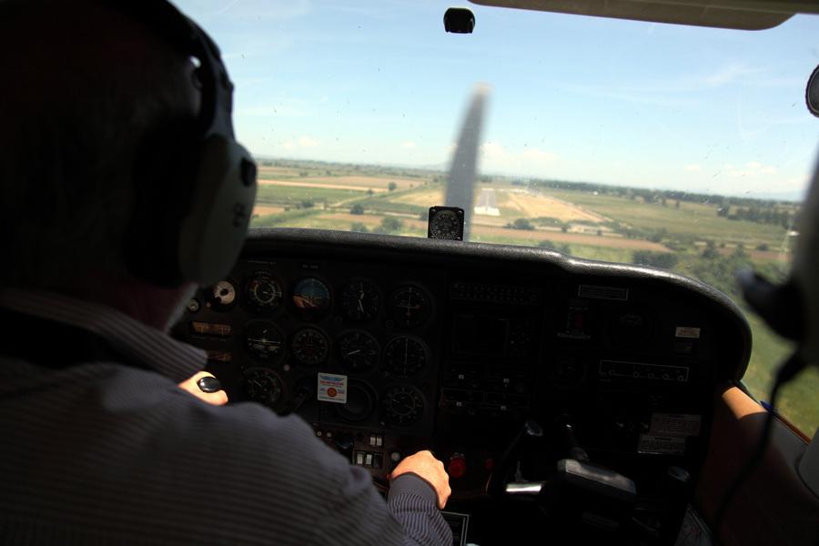 Η ΕΕ θα επιτρέπει την πρόσβαση κρατών στα στοιχεία όλων των επιβατών αεροπορικών πτήσεων