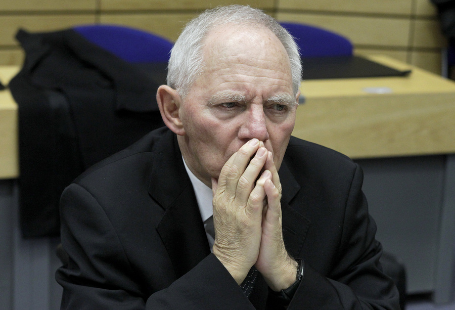 Νέα «καρφιά» Σόιμπλε για την κυβέρνηση με αφορμή την ανακεφαλαιοποίηση των τραπεζών