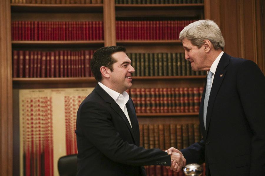 Πώς αξιολογεί η κυβέρνηση τις επαφές με τον Αμερικανό ΥΠΕΞ στην Αθήνα