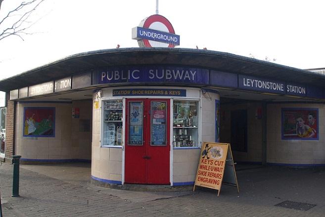 Τρεις τραυματίες από επίθεση με μαχαίρι στο μετρό του Λονδίνου