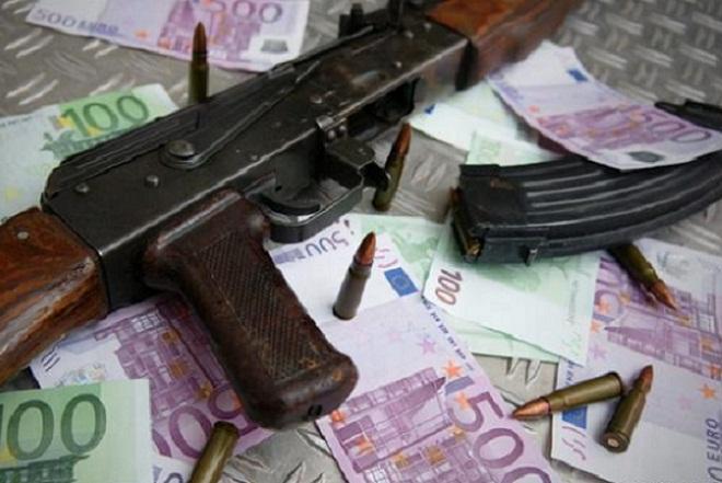 Πόσο φθηνά οπλίζεται το χέρι των τρομοκρατών;
