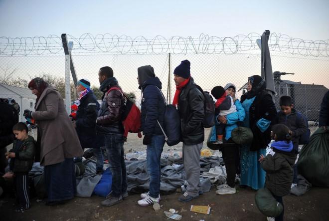Μουζάλας: Φροντίδα μας να μην πεθάνουν παιδιά στην Ειδομένη