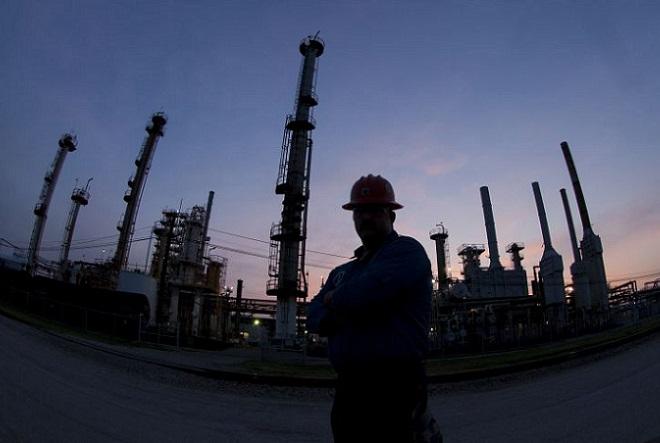 Κοινό μέτωπο ΕΛΠΕ-Motor Oil για λαθρεμπόριο και μεταρρυθμίσεις