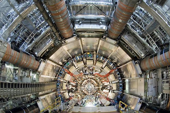 CERN: Ανακαλύφθηκε νέο μυστηριώδες βαρύ σωματίδιο;