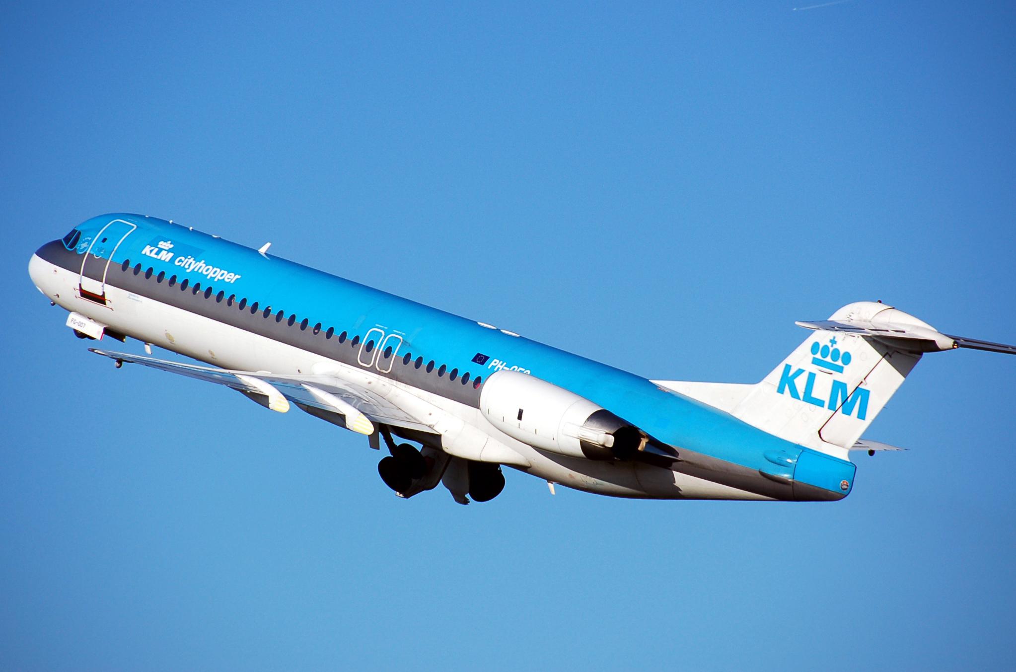 KLM: Επαναφέρει την πρωινή πτήση Αθήνα – Άμστερνταμ