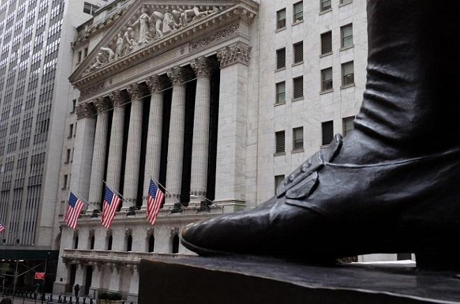 «Πετάει» το δολάριο μετά την ιστορική απόφαση της Fed