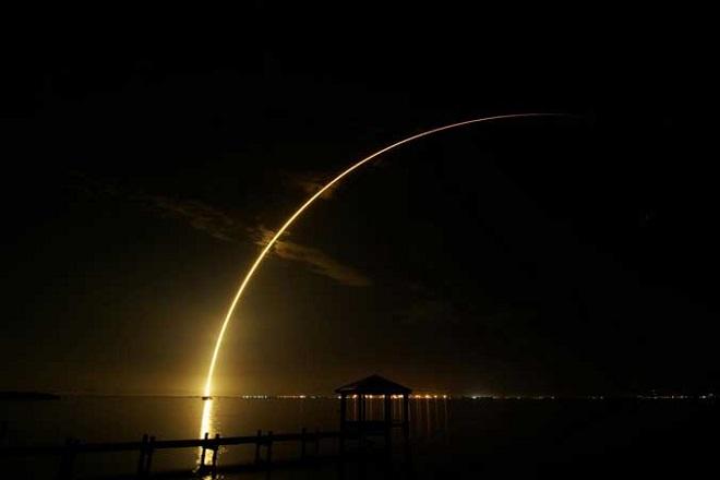 Η στιγμή που το Space X προσγειώνεται στη γη – Δείτε εικόνες
