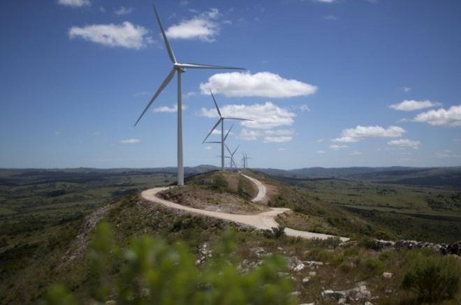 Η χώρα που ηλεκτροδοτείται σχεδόν εξ ολοκλήρου με καθαρή ενέργεια