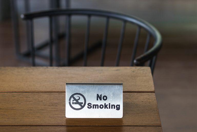 Αντικαπνιστικός Νόμος: Το 73% των πολιτών επιλέγουν μια πορεία προς το καλύτερο