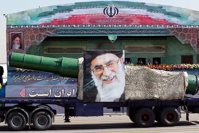 Επίδειξη ισχύος από το Ιράν: Αποκάλυψε υπόγεια βάση με πυραύλους μεγάλου βεληνεκούς