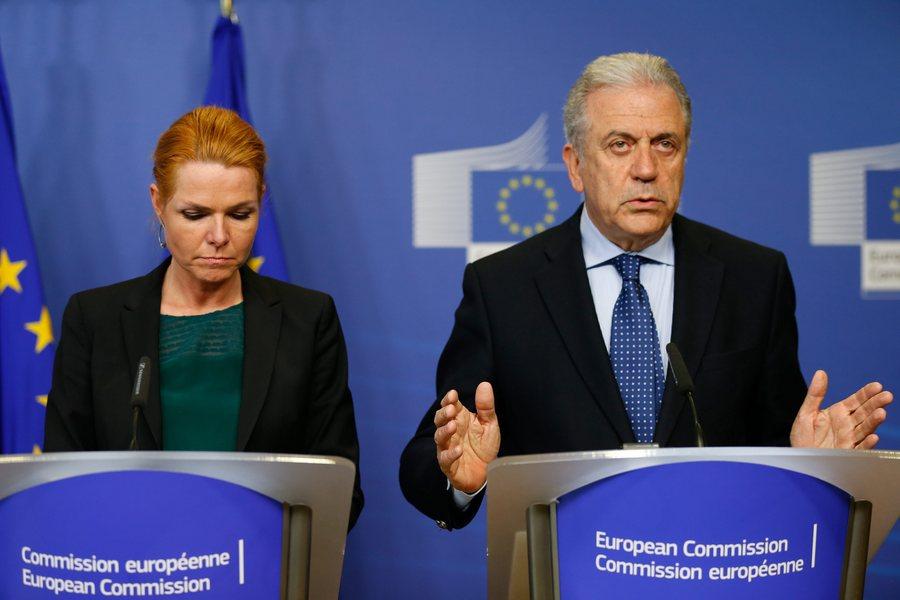 Αβραμόπουλος: Η συνθήκη Σένγκεν πρέπει να περιφρουρηθεί