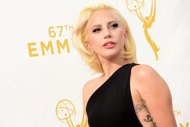 epa04941726 Lady Gaga arrives for the 67th annual Primetime Emmy Awards held at the Microsoft Theater in Los Angeles, California, USA, 20 September 2015. The Primetime Emmy Awards celebrate excellence in national primetime television programming.  EPA/PAUL BUCK