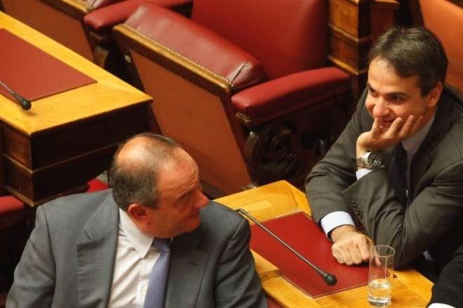 Le Monde: Ο Μητσοτάκης τελείωσε την κυριαρχία της οικογένειας Καραμανλή