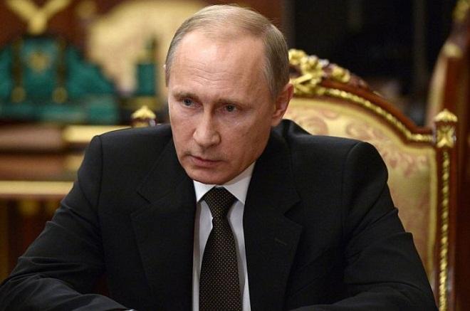 Το Κρεμλίνο ζητά εξηγήσεις από κέντρο δημοσκοπήσεων για την πτώση της δημοτικότητας του Πούτιν