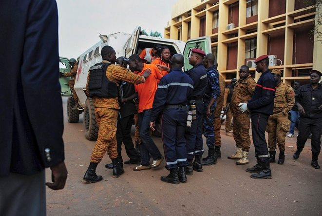 Μακελείο στη Μπουρκίνα Φάσο: «Αίμα παντού, πυροβολούσαν εν ψυχρώ»