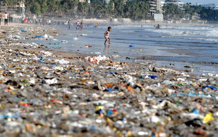 Περισσότερα πλαστικά από ότι ψάρια θα έχουν οι ωκεανοί έως το 2050