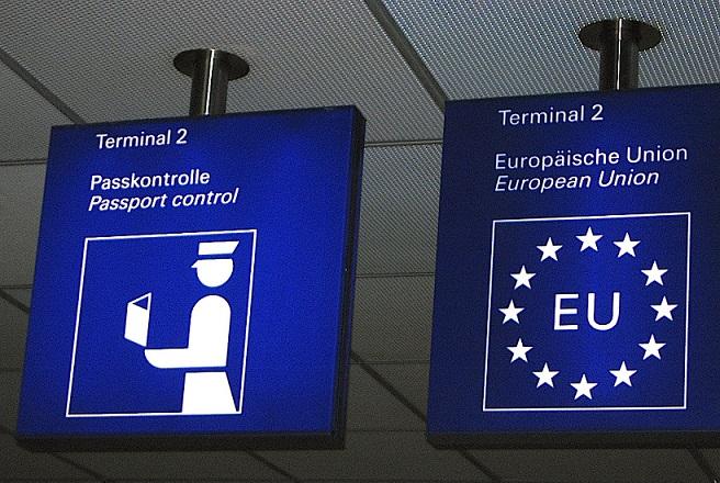 Απειλή εξόδου από τη Σένγκεν: Το νέο Grexit
