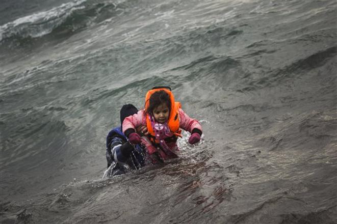 Μια ακόμη τραγωδία στο Αιγαίο – Δεκάδες πρόσφυγες νεκροί σε νέο ναυάγιο