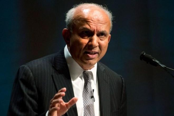 Prem Watsa: Επενδύει στο Greekovery, εγγυάται για την Eurobank