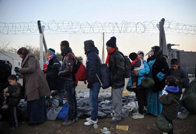 Η Ουγγαρία κλείνει και τα κέντρα υποδοχής προσφύγων