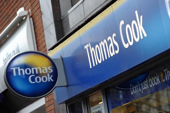 Όσο η Thomas Cook χρεοκωπούσε τα στελέχη της συνέχιζαν να λαμβάνουν τεράστια μπόνους