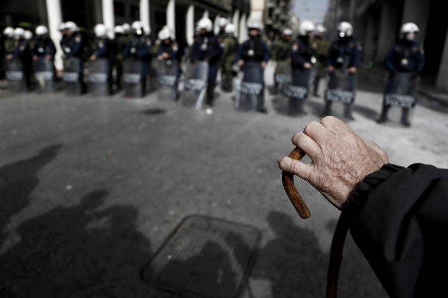 Κλειστοί σχεδόν όλοι οι δρόμοι στο κέντρο της Αθήνας