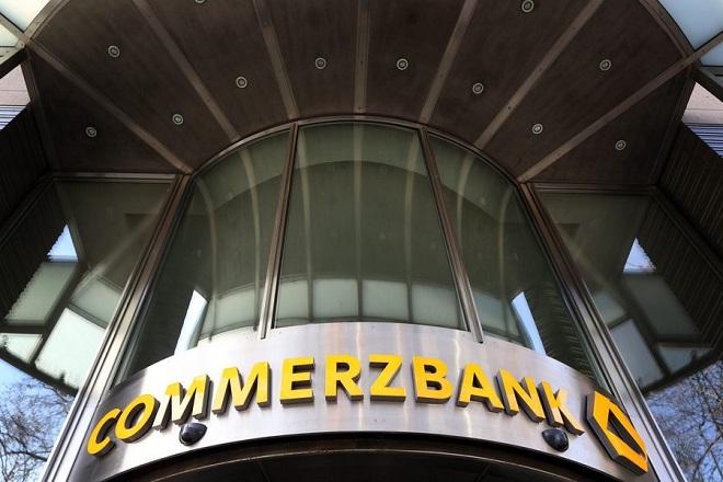 Commerzbank: Ζημίες 235 εκατ. ευρώ λόγω κόστους αναδιάρθρωσης