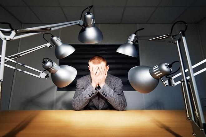 Πώς να αντιμετωπίσετε την απόρριψη στη δουλειά