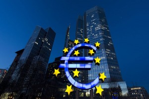 The stars of European Union (EU) membership sit on a euro sign sculpture outside the headquarters of the European Central Bank (ECB) in Frankfurt, Germany, 20 March 2014.